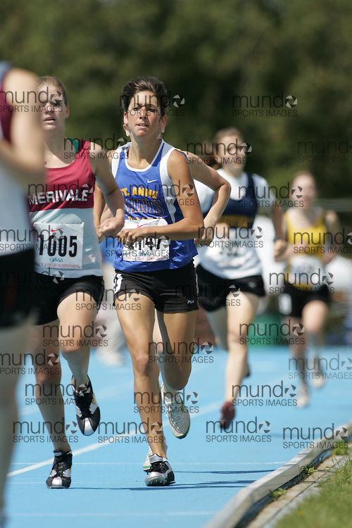 competing in the 800m heats at the 2007 OFSAA Ontario High School Track and Field Championships in Ottawa.