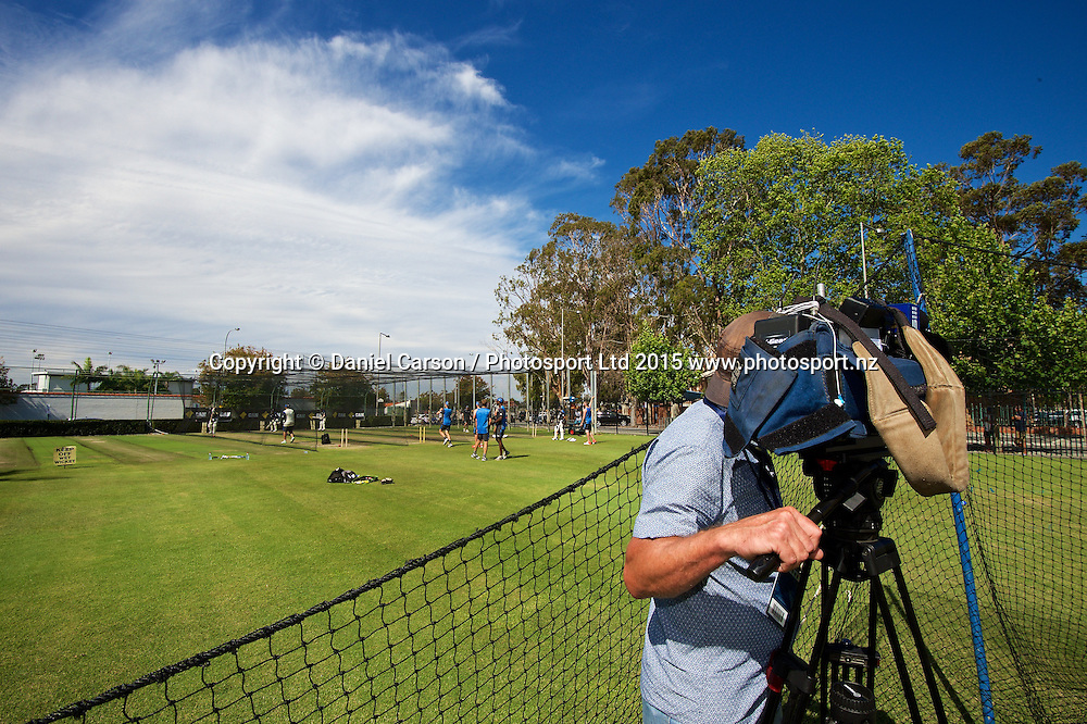 The Press follow the action during the training session on the 12th of November 2015. The New Zealand Black Caps tour of Australia, 2nd test at the WACA ground in Perth, 13 - 17th of November 2015.   Photo: Daniel Carson / www.photosport.nz