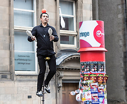 Street Performers on the High Street (Royal Mile) at the Edinburgh Fringe.