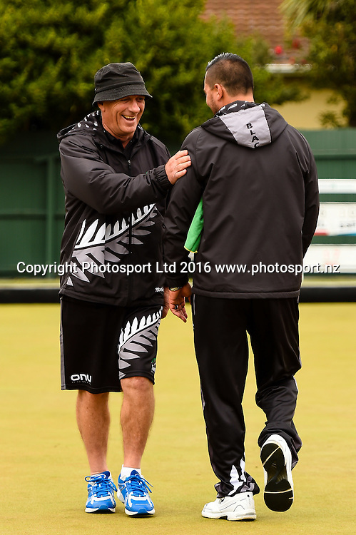 NZL pair of Mike Kernaghan and Shannon Mcilroy  during the World Bowls Championships, Christchurch, New Zealand, 1st December 2016. © Copyright Photo: John Davidson / www.photosport.nz