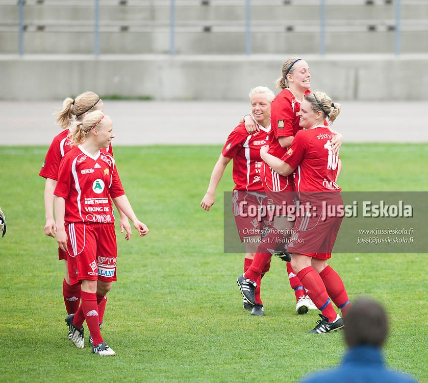 Åland United juhlii voittoa. HJK - Åland United. Naisten liiga 21.5.2009. Photo: Jussi Eskola