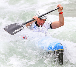 27.06.2015, Verbund Wasserarena, Wien, AUT, ICF, Kanu Wildwasser Weltmeisterschaft 2015, C1 men, im Bild Simeon Hocevar (SLO) // during the final run in the men's C1 class of the ICF Wildwater Canoeing Sprint World Championships at the Verbund Wasserarena in Wien, Austria on 2015/06/27. EXPA Pictures © 2014, PhotoCredit: EXPA/ Sebastian Pucher