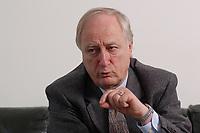 10 MAR 2003, BERLIN/GERMANY:<br /> Heinrich August Winkler, Professor fuer neuste Geschichte an der Humbold-Universitaet Berlin, waehrend einem Interview, Spiegel Redaktionsvertretung<br /> IMAGE: 20030310-01-016<br /> KEYWORDS: Historiker