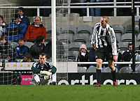 Photo: Andrew Unwin.<br /> Newcastle United v Birmingham City. The FA Cup. 17/01/2007.<br /> Newcastle's Shay Given (L) and Peter Ramage (R) look dejected.