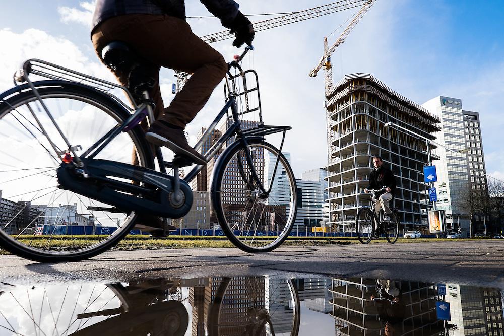 Nederland, Amsterdam, 2 maart 2015<br /> Amsterdam business centre Amsterdam Zuidas, bouwaktiviteiten.<br /> Foto: (c) Michiel Wijnbergh