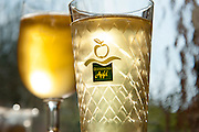 Glas Apfelwein, Treuschs im Schwanen, Reichelsheim, Odenwald, Hessen, Deutschland | Glass of cider, Treuschs in Schwanen, Reichelsheim, Odenwald, Hesse, Germany