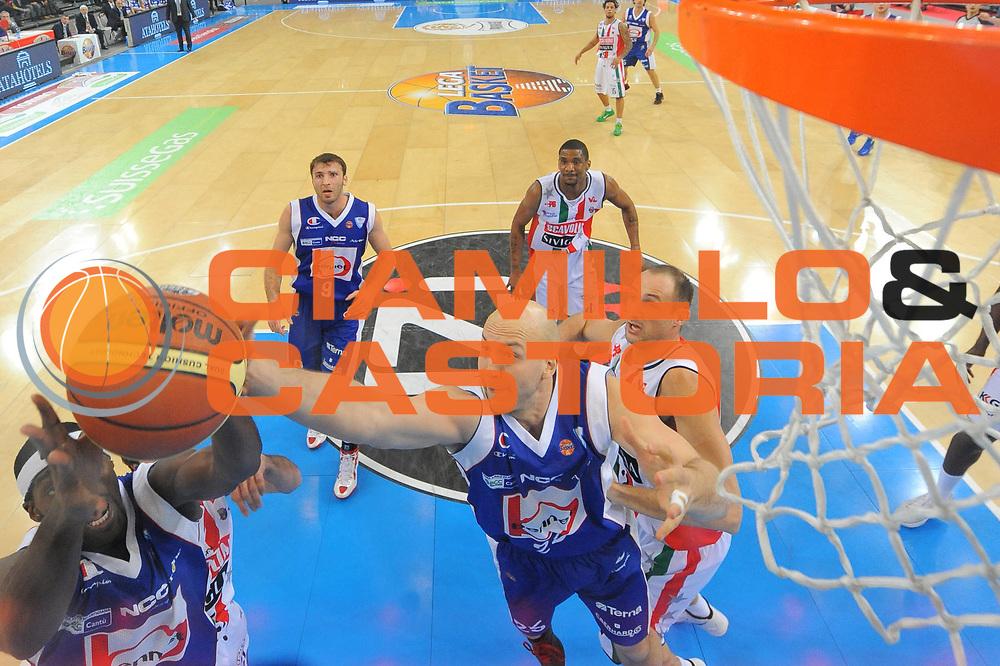 DESCRIZIONE : Torino Coppa Italia Final Eight 2012 Semifinale Scavolini Siviglia Pesaro Bennet Cantu<br /> GIOCATORE : Greg Brunner<br /> CATEGORIA : special rimbalzo<br /> SQUADRA : Bennet Cantu<br /> EVENTO : Suisse Gas Basket Coppa Italia Final Eight 2012<br /> GARA : Scavolini Siviglia Pesaro Bennet Cantu <br /> DATA : 18/02/2012<br /> SPORT : Pallacanestro<br /> AUTORE : Agenzia Ciamillo-Castoria/M.Marchi<br /> Galleria : Final Eight Coppa Italia 2012<br /> Fotonotizia : Torino Coppa Italia Final Eight 2012 Semifinale Scavolini Siviglia Pesaro Bennet Cantu<br /> Predefinita :