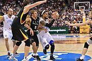 DESCRIZIONE : Berlino Berlin Eurobasket 2015 Group B Germany Germania - Italia Italy<br /> GIOCATORE : Daniel Hackett<br /> CATEGORIA : Passaggio Penetrazione<br /> SQUADRA : Italia Italy<br /> EVENTO : Eurobasket 2015 Group B<br /> GARA : Germany Italy - Germania Italia<br /> DATA : 09/09/2015<br /> SPORT : Pallacanestro<br /> AUTORE : Agenzia Ciamillo-Castoria/GiulioCiamillo