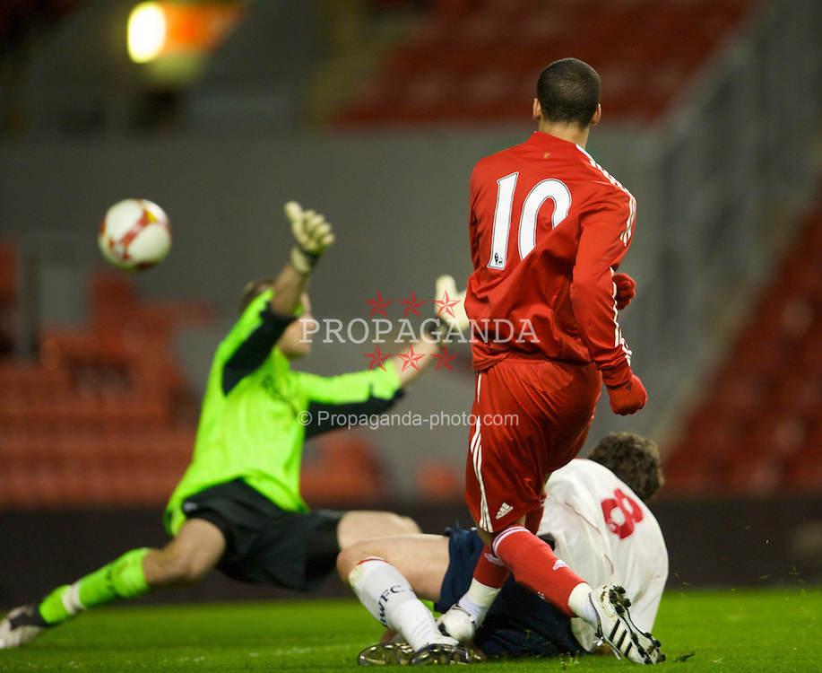 LIVERPOOL, ENGLAND - Friday, February 27, 2009: Liverpool's Nathan Eccleston scores the equalising goal against Bolton Wanderers during the FA Youth Cup Quarter Final at Anfield. (Photo by David Rawcliffe/Propaganda)