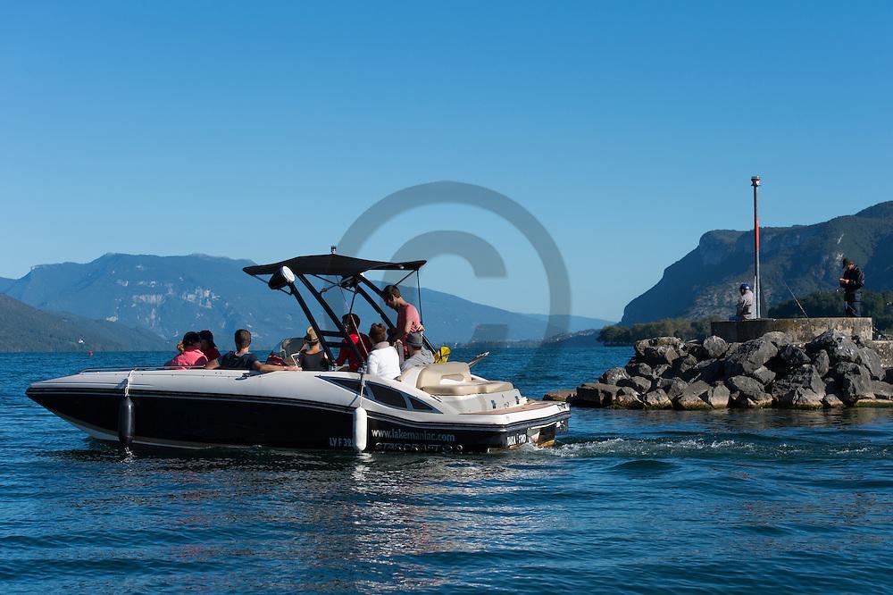 21/08/16 - AIX LES BAINS - SAVOIE - FRANCE - Loisirs nautiques sur le Lac du Bourget - Photo Jerome CHABANNE