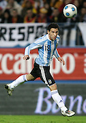 Argentina's Maxi Rodriguez  in action during the international friendly match between Spain and Argentina in Madrid, Spain on November 14 2009.