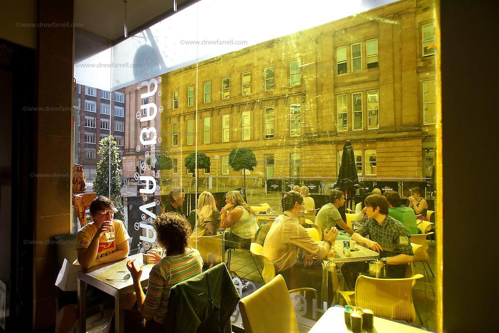 Picture shows : Bar. The Brunswick Metro Hotel. Brunswick Street. Merchant City Area, Glasgow. Travel guide feature..Picture Drew Farrell. tel : 07721-735041......