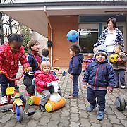 Attività didattiica in una scuola materna della provicia di Torino.