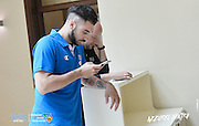 DESCRIZIONE: Bologna Ritiro Nazionale Italiana Maschile Senior - Arrivo in hotel <br /> GIOCATORE: Pietro Aradori<br /> CATEGORIA: Nazionale Italiana Maschile Senior<br /> GARA: Bologna Ritiro Nazionale Italiana Maschile Senior - Arrivo in hotel <br /> DATA: 20/06/2016<br /> AUTORE: Agenzia Ciamillo-Castoria