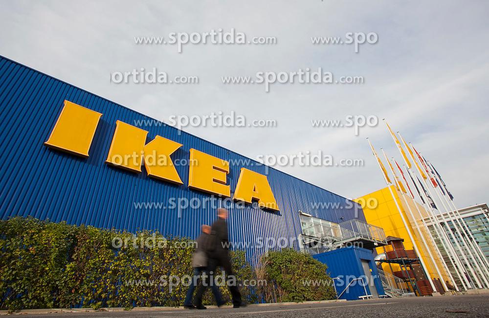 08.10.2011, IKEA Webling, Graz, AUT, Erpressung gegen das Schwedische Moebelhaus IKEA, im Bild IKEA Graz, EXPA Pictures © 2011, PhotoCredit: EXPA/ Erwin Scheriau