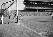 281/3967-3974...16081953AISHCSF...16.08.1953...All Ireland Senior Hurling Championship - Semi-Final..Galway.3-5.Kilkenny.1-10..
