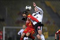 FOOTBALL - FRENCH CHAMPIONSHIP 2010/2011 - L2 - LEMANS FC v VANNES OC - 21/12/2010 - PHOTO JEAN MARIE HERVIO / DPPI - THORSTEIN HELSTAD (LMFC) / LOIC GUILLON (VAN)