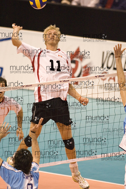 Steve Brinkman of  Canada during a three games to none defeat of Argentina in the 2006 Anton Furlani Volleyball Cup, held in Ottawa, Canada. .Anton Furlani Cup.Copyright Sean Burges / Mundo Sport Images, 2006