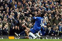 Photo: Chris Ratcliffe.<br />Chelsea v Tottenham Hotspur. The Barclays Premiership. 11/03/2006.<br />Micheal Essien misses a chance and the Chelsea crowd dispair.