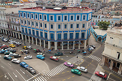 "Caribbean, Cuba, Havana, classic cars and colonial architecture of ""Habana Vieja"" historic district, a UNESCO World Heritage Site"