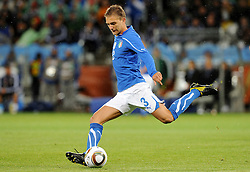14.06.2010, Cape Town Stadium, Kapstadt, RSA, FIFA WM 2010, Italien vs Paraguay im Bild Domenico Criscito (Italia)., EXPA Pictures © 2010, PhotoCredit: EXPA/ InsideFoto/ G. Perottino, ATTENTION! FOR AUSTRIA AND SLOVENIA ONLY!!! / SPORTIDA PHOTO AGENCY