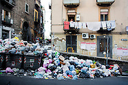 NEW GARBAGE EMERGENCY IN NAPLES