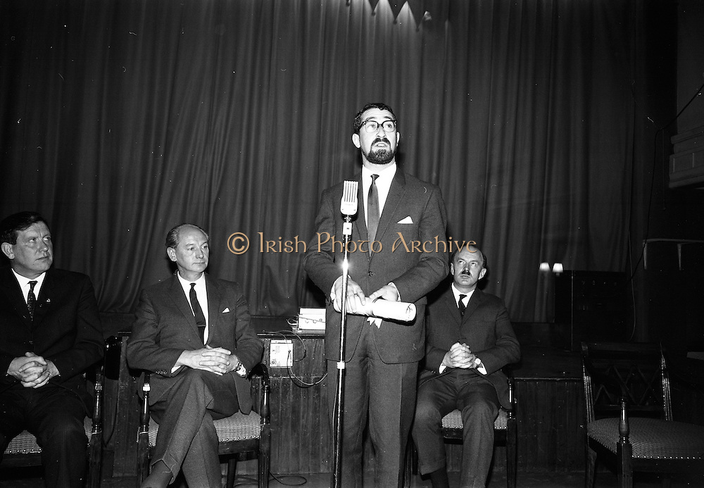 "24/07/1967<br /> 07/24/1967<br /> 24 July 1967<br /> First showing of ""Fleá Cheoil"" at the Metropole Cinema, Dublin. A presentation was made to the director of the film Mr. Louis Marcus, for winning the Silver Bear Award at the Berlin International Film Festival, by Taoiseach Jack Lynch TD, on behalf of the Cork Film Society, where Mr. Marcus began his carrier. President of the Society Mr. Sean Hendrick attended the presentation. Picture shows Louis Marcus, Director of the film, addressing the attendees at the presention. Alo on the platform are from left Mr. Padraig Faulkner, Parliamentary Secretary to the Minister for the Gaeltacht; Taoiseach Mr. Jack Lynch and Donal O Móráin, Ceannasai Gael-Linn."