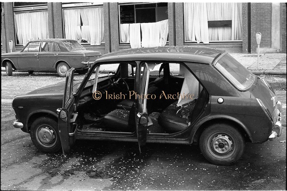 17/05/1974.05/17/1974.17 May 1974.Bomb damage in Dublin.