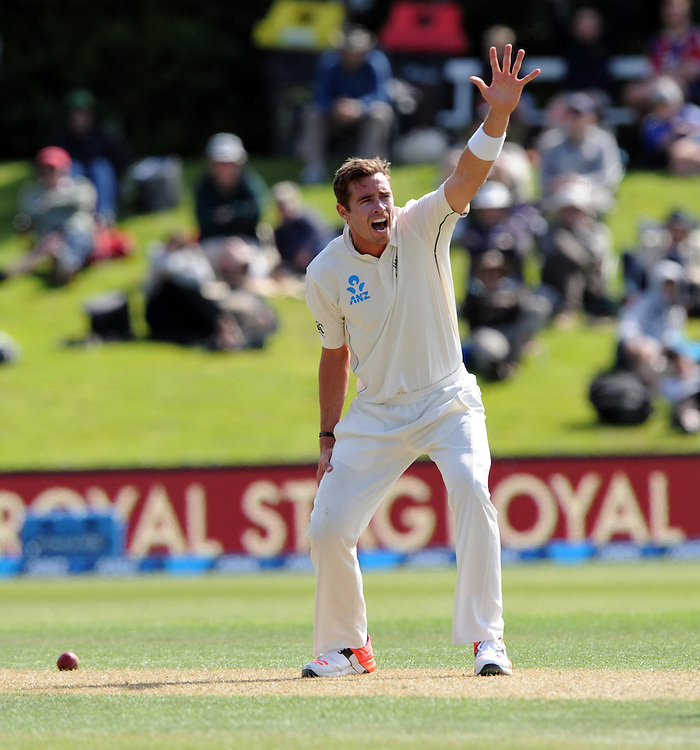 New Zealand's Tim Southee fails in an lbw appeal for the wicket of Sri Lanka's Dinesh Chandimal on day two of the first International Cricket Test, University Cricket Oval, Dunedin, New Zealand, Friday, December 11, 2015. Credit:SNPA / Ross Setford