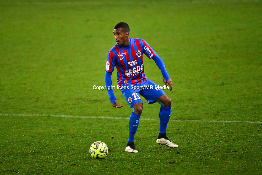 Emmanuel IMOROU - 06.12.2014 - Caen / Nice - 17eme journee de Ligue 1 -<br />