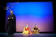 SI SIANG KI, ou l'histoire de la Chambre de l'Ouest au theatre du chene noir en avignon du 8 au 31 juillet (festival off)2011 , Mise en scene, adaptation et lumiere Gérard Gelas avec les comediens de la Shanghai theatre academy