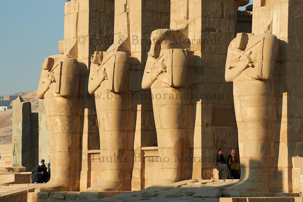 Egypte, Haute Egypte, vallée du Nil, environs de Louxor, nécropole thébaine classée Patrimoine Mondial de l'UNESCO, Thèbes Ouest, Ramesseum, temple funéraire de Ramsès II // Egypt, Nile Valley, Luxor, Thebes, West bank of the River Nile, Ramesseum temple of Ramses II
