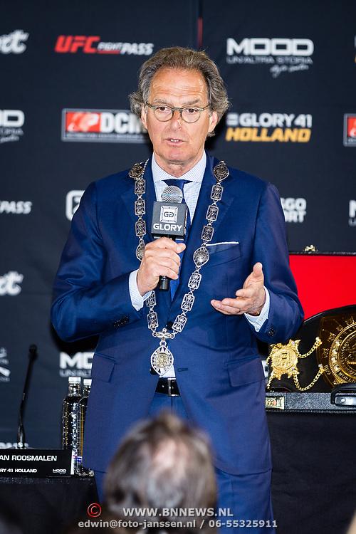 NLD/Den Bosch/20170510 - Persconferentie Glory 41, burgemeester Ton Rombouts