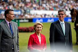 LEYEN Ursula von der (Bundesministerin der Verteidigung), PHILIPP Marcel (OB Aachen)<br /> Aachen - CHIO 2018<br /> Siegerehrung Rolex Grand Prix<br /> Der Grosse Preis von Aachen<br /> 22. Juli 2018<br /> © www.sportfotos-lafrentz.de/Stefan Lafrentz