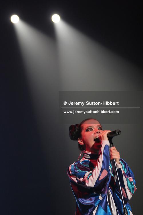 LIVE8 JAPAN. 'Bjork' sing on stage at the Live8 Tokyo concert, held at Makuhari Messe, Tokyo. 02.07.05