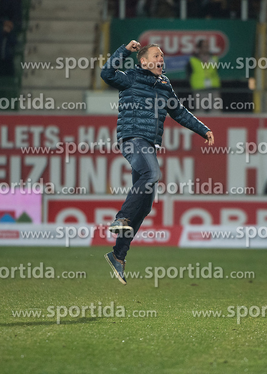 26.11.2016, Keine Sorgen Arena, Ried, AUT, 1. FBL, SV Guntamatic Ried vs SKN St. Poelten, 16. Runde, im Bild Trainer Jochen Fallmann (SKN St.Poelten) feiert // during the Austrian Football Bundesliga 16th Round match between SV Guntamatic Ried and SKN St. Poelten at the Keine Sorgen Arena in Ried, Austria on 2016/11/26. EXPA Pictures © 2016, PhotoCredit: EXPA/ Reinhard Eisenbauer