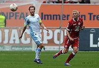 Fussball 2. Bundesliga:  Saison   2012/2013,    3. Spieltag  1. FC Kaiserslautern - TSV 1860 Muenchen   26.08.2012 Benjamin Lauth (li, 1860 Muenchen) gegen Leon Jessen (1. FC Kaiserslautern)