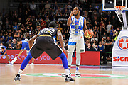 DESCRIZIONE : Campionato 2014/15 Serie A Beko Dinamo Banco di Sardegna Sassari - Upea Capo D'Orlando <br /> GIOCATORE : Jerome Dyson<br /> CATEGORIA : Mani Curiosità Palleggio<br /> SQUADRA : Dinamo Banco di Sardegna Sassari<br /> EVENTO : LegaBasket Serie A Beko 2014/2015 <br /> GARA : Dinamo Banco di Sardegna Sassari - Upea Capo D'Orlando <br /> DATA : 22/03/2015 <br /> SPORT : Pallacanestro <br /> AUTORE : Agenzia Ciamillo-Castoria/C.Atzori <br /> Galleria : LegaBasket Serie A Beko 2014/2015