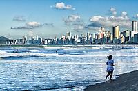 Praia Central. Balneário Camboriú, Santa Catarina, Brasil. / Central Beach. Balneario Camboriu, Santa Catarina, Brazil.