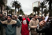 TUNISI. MANIFESTANTI NELLE STRADE DEL CENTRO DI TUNISI;