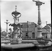 30/03/1957<br /> 03/30/1957<br /> 30 March 1957<br /> <br /> Fountain, Rosemary Square in Roscera