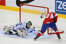 12.05.2011, Orange Arena, Bratislava, SVK, IIHF 2011 World Championship, Finnland vs Norway, im Bild OLIMB KEN SCORES ON PENALTY SHOT. EXPA Pictures © 2011, PhotoCredit: EXPA/ EXPA/ Newspix/ .Tadeusz Bacal +++++ ATTENTION - FOR AUSTRIA/(AUT), SLOVENIA/(SLO), SERBIA/(SRB), CROATIA/(CRO), SWISS/(SUI) and SWEDEN/(SWE) CLIENT ONLY +++++