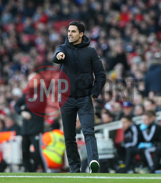 Arsenal manager Mikel Arteta getting animated - Mandatory by-line: Arron Gent/JMP - 18/01/2020 - FOOTBALL - Emirates Stadium - London, England - Arsenal v Sheffield United - Premier League