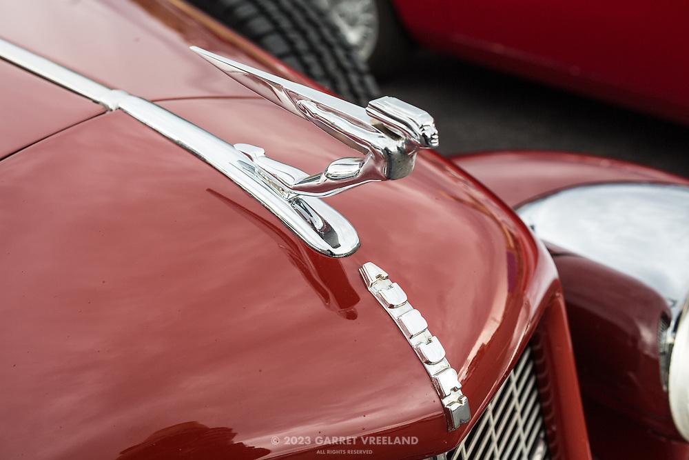 1935 Auburn 851, hood ornament.