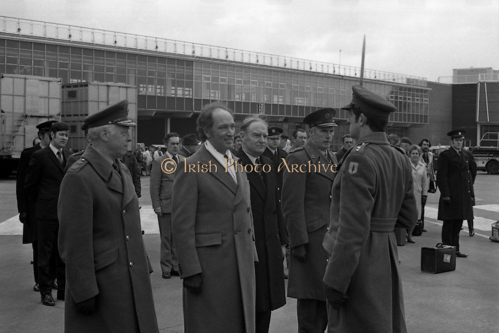 Canadian Prime Minister, Pierre Trudeau arrives in Dublin    (J17).14.03.1975.03.14.1975.3rd April 1975..Pierre Trudeau arrived today for a brief visit to Ireland. He was greeted by the Taoiseach Mr. Liam Cosgrave on his arrival at Dublin Airport..Picture of Canadian Prime Minister Pierre Trudeau greets the captain of the honour guard at Dublin Airport at the beginning of his short visit to Ireland.