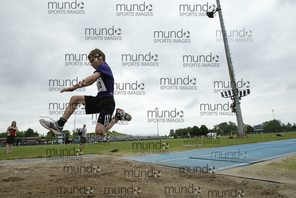 (Ottawa, Ontario---20/06/09)  \\ competing in the long jump at the 2009 Bank of America All-Champions Elementary School Track and Field Championship. www.mundosportimages.com / www.msievents.