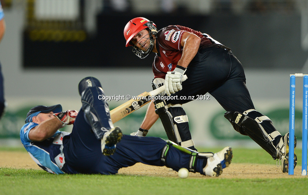 Dean Brownlie during the HRV Cup Twenty20 Cricket match between Auckland Aces and Canterbury Wizards at Eden Park on Friday 21 December 2012. Photo: Andrew Cornaga/Photosport.co.nz