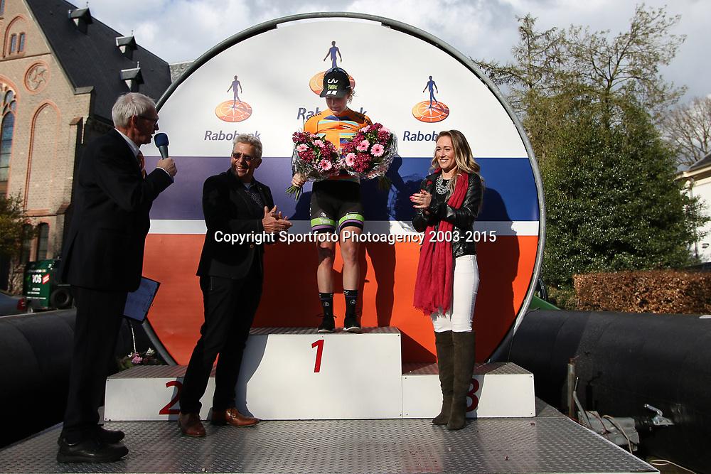 17-04-2016: Wielrennen: Ronde van Gelderland: Apeldoorn    <br />APELDOORN (NED) wielrennen<br />Floortje Mackay is de leidster in de topcompetitie