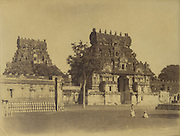 Skeen & Co. Photographs of the historical sites of India.