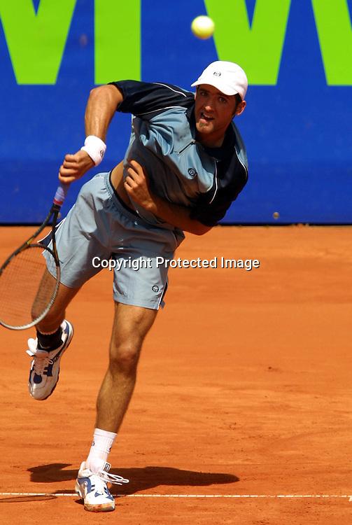 Tennis,BMW Open 2001,Internationale Tennismeisterschaften von Bayern,Tennisstadion Iphitos,<br />Daniel Elsner in Aktion,30.04.2001,<br />Foto:Juergen Hasenkopf